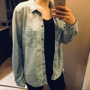 American Eagle Outfitters Tops - AE denim button down